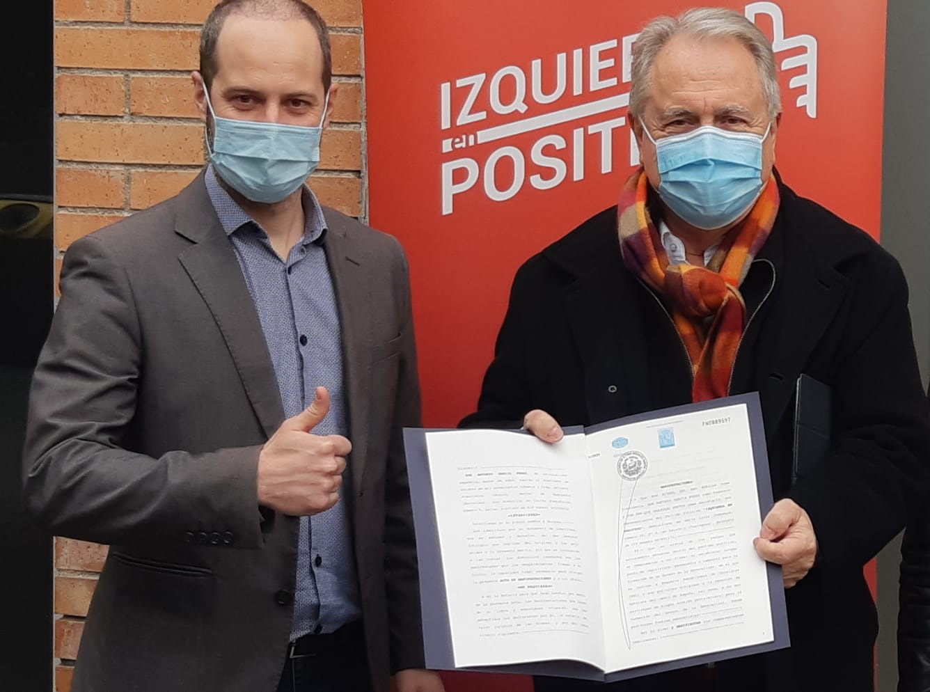 Izquierda En Positivo invita al PSC y a En Comú Podem a firmar ante notario que no pactará un Govern independentista.